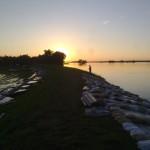 Sonnenuntergang am Deich.